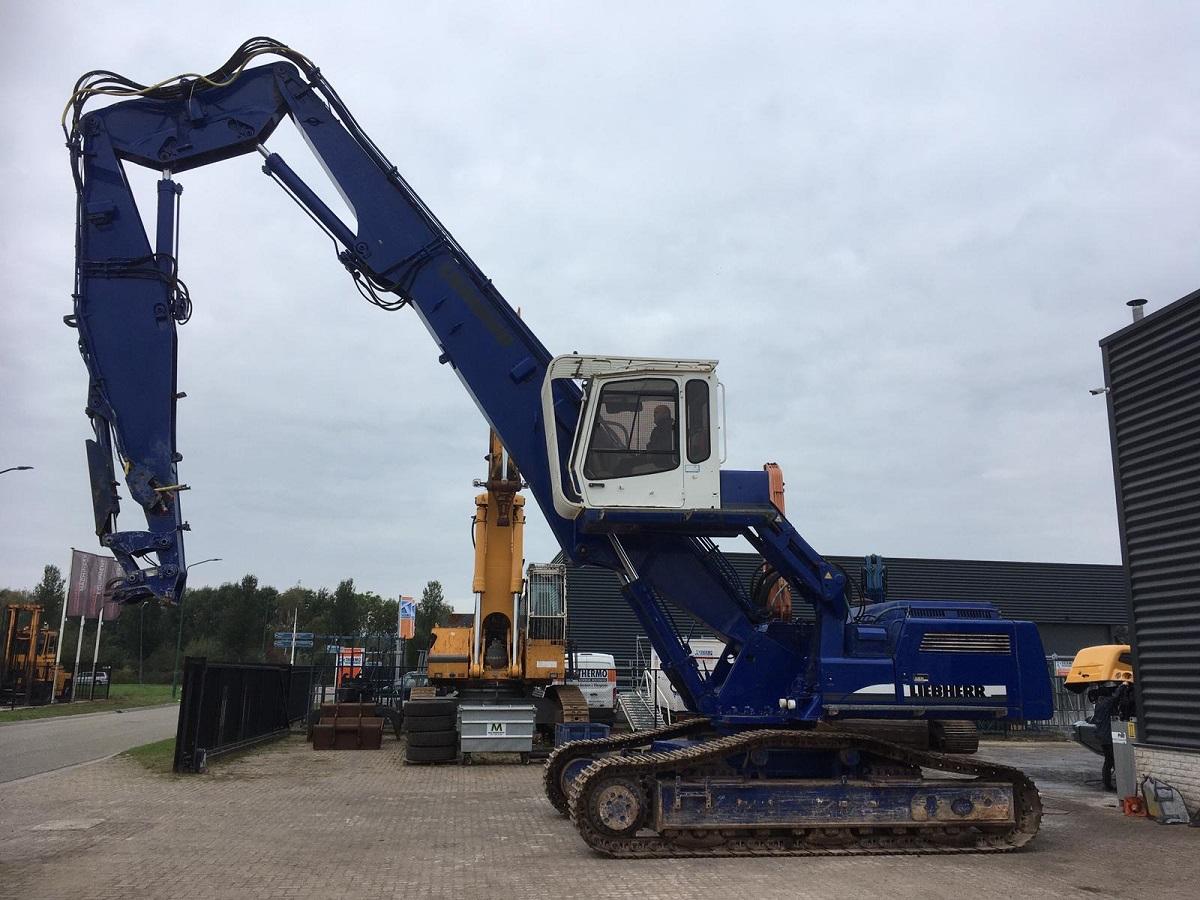 Liebherr R944V RESERVED