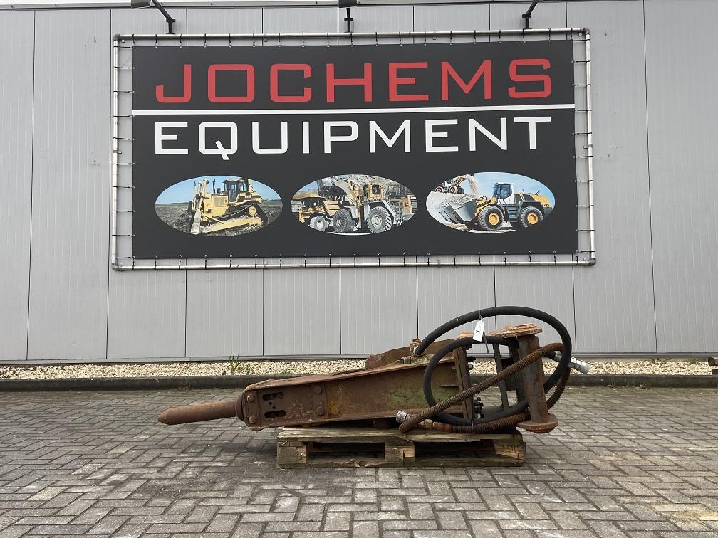 (7) Hammer 900kg